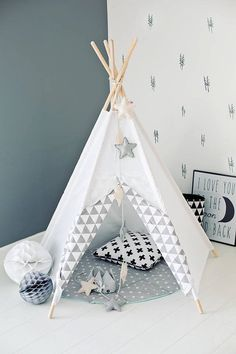 Tipi d'indien Tipi Wigwam Blanc Zigzag gris Plus Baby Bedroom, Kids Bedroom, Bedroom Ideas, Kids Teepee Tent, Teepees, Cozy Place, Reading Nook, Room Paint, Boy Room
