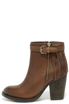 Start your dream outfit with the Steve Madden Woodmeer Cognac Leather Fringe Booties