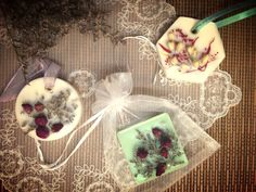 handmade aroma wax tablet topped with dried flowers