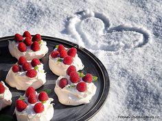 OLYMPUS DIGITAL CAMERA Pavlova Cake, Olympus Digital Camera, Snapseed, Goodies, Strawberry, Fruit, Sweet, Blog, Sweet Like Candy