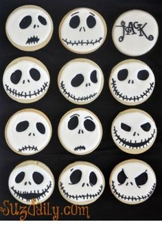 Nightmare Before Christmas Cookies - These would be cute/easy cupcakes too! Nightmare Before Christmas Cookies - These would be cute/easy cupcakes too! Halloween Snacks, Buffet Halloween, Bolo Halloween, Postres Halloween, Recetas Halloween, Dessert Halloween, Halloween Goodies, Halloween Decorations, Halloween Donuts