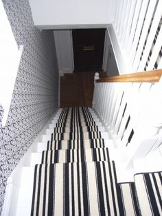 Best Black And White Striped Carpet Runner On Landing Stairs 400 x 300
