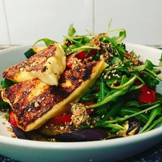 Tonight's dinner. Chargrilled eggplant steamed vegetables salad haloumi & crumbled seed crackers. #onmyplate #dinnerideas #dinnertime #quickeats #healthyeats #glutenfree #figmintathome #figmintcatering