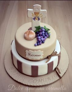 A place for people who love cake decorating. Fondant Cakes, Cupcake Cakes, Comunion Cakes, First Holy Communion Cake, Bible Cake, Religious Cakes, Confirmation Cakes, Occasion Cakes, Sweet Cakes