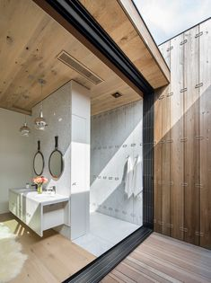 Contemporary Home Is an Acoustic Refuge From a Bustling Resort Town - http://freshome.com/contemporary-home-is-an-acoustic-refuge/