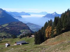 View from hiking trail between Ibergeregg and Spirstock