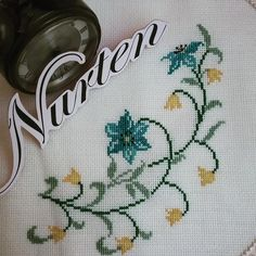 No automatic alt text available. Cross Stitch Embroidery, Cross Stitch Patterns, Elsa, Diy And Crafts, Crochet, Embroidery Ideas, Rugs, Crochet Edgings, Ideas