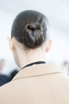 #Chignon stretto e ordinato da Schiapparelli #hairstyle