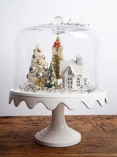 Outstanding Christmas Cake Stand Decor Ideas To Deck The Halls 05 Silver Christmas, Noel Christmas, Christmas Projects, Christmas Ornaments, Christmas Vignette, Christmas Quotes, Christmas Movies, Vintage Christmas Crafts, Christmas History