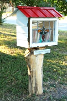 A Little Free Library in your front yard - what a fabulous idea!!!  Living With Kids: Amity Courtois by Doritos