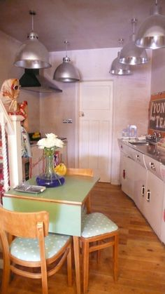 Oversized industrial lights & 1950s English Rose Kitchen!