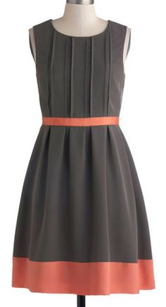 Beautiful dress in gray and coral http://rstyle.me/n/bjf62nyg6