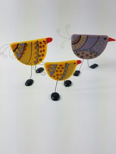 Fused glass stand up birds www.etsy.com/au/shop/AMEArtistry2017 www.facebook.com/AMEArtistry2017 www.instagram.com/ameartistry2017