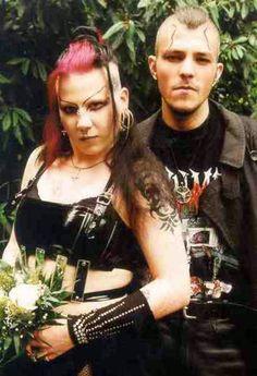 Daniel e Manuela Ruda sono due coniugi che nel 2001 hanno ucciso un collega come sacrificio a Satana. Pensavano di essere vampiri.