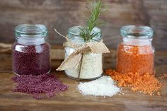 Homemade Flavored Finishing Salts - Perfect for holiday gifts! Going to do some garden flavors: ghost pepper salt, spicy oregano salt, sun dried tomato salt. Spice Blends, Spice Mixes, Lime Salt, No Salt Recipes, Frugal Recipes, Cheap Recipes, Sugar Scrub Homemade, Brunch, Homemade Seasonings
