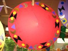 jufjanneke.nl - Hoed van een cirkel maken en beplakken met een mozaiekrand