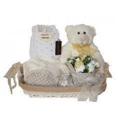 Las cestas del regalo del bebé son asombrosas cuando está sobre las porciones de Gifting de Goodies Teddy Bear, Gifts, Newborn Baby Gifts, Baby Layette, Kids, Birth, Presents, Teddy Bears, Favors