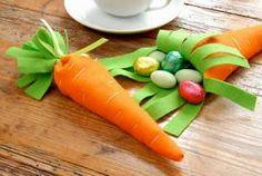 Geschenktüte Möhre - Dekoideen: Ostern: Tischdeko aus Filz basteln - BRIGITTE