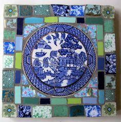 Click to Close Mosaic Tile Art, Mirror Mosaic, Mosaic Diy, Mosaic Garden, Mosaic Glass, Mosaic Ideas, Mirror Tiles, Tile Crafts, Mosaic Crafts