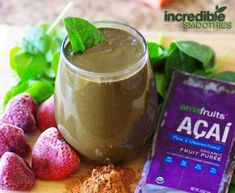 Chocolate-Acai Green Smoothie Recipe with Strawberries