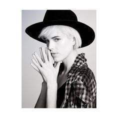 Picture of Agyness Deyn Portrait Photography, Fashion Photography, Agyness Deyn, Vogue Brazil, Model Face, Love Me Forever, Supermodels, My Hair, Short Hair Styles