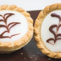 Fern Cakes Recipe - My favourite Scottish Tart! Scottish Desserts, Scottish Dishes, Scottish Recipes, Irish Recipes, Sweet Recipes, English Recipes, Delicious Recipes, Yummy Food, Gourmet