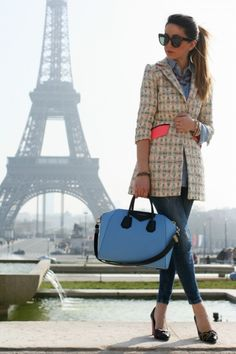 Oversized blue bag at the Eiffel tower