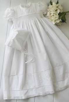 BOUTIQUE ROSALINA 3M 3 MONTHS WHITE SMOCKED FLORAL DRESS TWINS