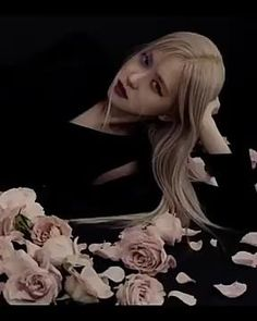 Solo Dance Video, Dance Videos, Anime Crying, Aesthetic Photography Grunge, Book Wallpaper, Rose Park, Blackpink Video, Park Chaeyoung, Blackpink Lisa