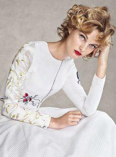 Harpers Bazaar UK Dezembro 2014 | Patricia Van Der Vliet por Victor Demarchelier…