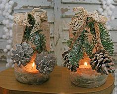 Hopefully you have stored enough mason jars for some amazing DIY Christmas mason jar decorations. Christmas Tree Toy, Christmas Gift Baskets, Christmas Lanterns, Christmas Mason Jars, Diy Christmas Gifts, Christmas Decorations, Christmas Ornaments, Decorating With Snowmen, Mason Jar Centerpieces
