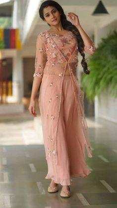 Net Dresses Pakistani, Indian Gowns Dresses, Kalamkari Dresses, Brocade Dresses, Long Skirt And Top, Long Skirts, Gown Party Wear, Indian Party Wear, Indian Wear