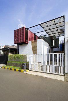 Container for Urban Living / Atelier Riri | © Teddy Yunantha