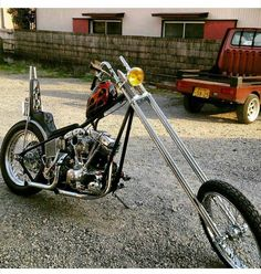 Old Classic Harley-Davidson Motorcycles Chopper Motorcycle, Bobber Chopper, Motorcycle Style, Motorcycle Garage, Custom Choppers, Custom Motorcycles, Custom Bikes, Custom Baggers, Harley Davidson Panhead