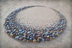 Juxtapoz Magazine - The Incredible Stone Arrangements and Land Art of Jon Foreman Land Art, Art Crea, Art Plage, Wave Drawing, Drawing Art, Art Rupestre, Art Pierre, Tee Set, Environmental Art