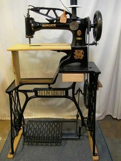 Latest Pic of My Machine Leather Art, Sewing Leather, Leather Pattern, Leather Tooling, Sewing Machine Service, Sewing Machine Repair, Cowboy Crafts, Messenger Bag Patterns, Leather Working Tools