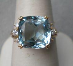 Gorgeous Huge Gold and Aquamarine Ring Jewelry Box, Jewlery, Silver Jewelry, Jewelry Making, Cuff Bracelets, Bangles, Aquamarines, Aquamarine Jewelry, Black Women Fashion