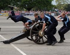 Garth & field gun days: Wheels, ropes, cannons, wood, brass