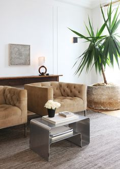 Living Room in Greenwich Village by Jeremiah Brent Design on Living Room New York, Home And Living, Modern Living, Living Room Designs, Living Spaces, Living Rooms, Pantone, Nate And Jeremiah, Estilo Interior