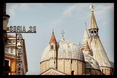 [ARCHITECTURE] Padova e le sue bellissime geometrie #studioeg #travel #traveling #jj #instagramhub #padova #earlybird #veneto  #ig_veneto #instagrammers #archilovers #instagood #bestoftheday #tweegram #igers #instamood #picoftheday #firstpost #igdaily #instadaily #art #webstagram #architecture #pretty #statigram #instago #inkstagram #instafamous #igaddicts #italy