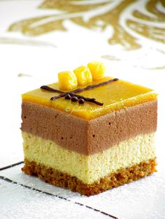 Gianduja Bavarian, mango, and cake spices - Food And Recipes Cheesecake, Cake Recipes, Dessert Recipes, Mango Cake, Small Desserts, Spice Cake, Something Sweet, Mini Cakes, Amazing Cakes
