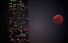 Increíbles imágenes de la 'Superluna' alrededor del mundo | EL PAIS