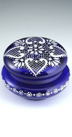 ANTIQUE GLASS BOX. c.1890 BRISTOL COBALT BLUE DRESSING TABLE TRINKET BOX POT. To visit my website click here: http://www.richardhoppe.co.uk or for help or information email us here: info@richardhoppe.co.uk