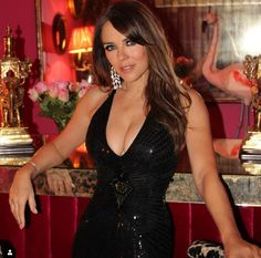 Elizabeth Hurley, Glamour, New Dress, Going Out, Celebrity Style, Celebrity News, Sexy Women, Celebs, Black Actors