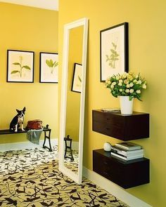 Walpaper de pared de color amarillo claro.