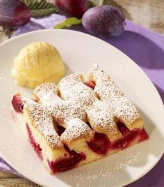 Quick plum cake from the plate- Schneller Pflaumenkuchen vom Blech Fast plum cake from the plate – A fruity cake with plums - Baking Recipes, Cookie Recipes, Snack Recipes, Dessert Recipes, Fall Desserts, No Bake Desserts, Delicious Desserts, Party Desserts, German Baking
