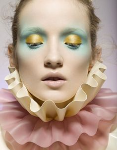Mint and Yellow Eyshadow #pastelmakeup #editorialmakeup