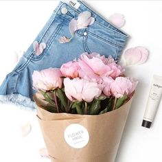 Sunday essentials consist of fresh flowers from @flowerhaul denim shorts from @seedheritage and @jurliqueaus hand cream  via @wintergardenbrisbane #freshflowers #flowerhaul #denimshorts #seedheritage #handcream #jurlique #sundayessentials  via FASHION TRENDS on INSTAGRAM -Celebrity  Fashion  Haute Couture  Advertising  Culture  Beauty  Editorial Photography  Magazine Covers  Supermodels  Runway Models