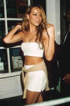 Just another lamb posting festive moments pictures of our queen dahling aka the best selling female artist of all time, Mariah Carey. Mariah Carey Butterfly, 2000s Fashion, Hip Hop Fashion, Fashion Online, Aaliyah, Mariah Carey 1990, Maria Carey, Johny Depp, 90s Hip Hop