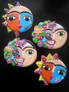Frida Khalo.- https://www.facebook.com/arttasticcookies?fref=photo
